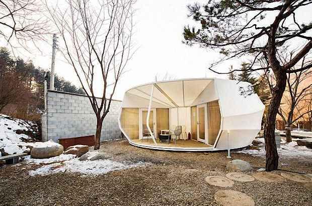 Внешне палатка похожа на дом