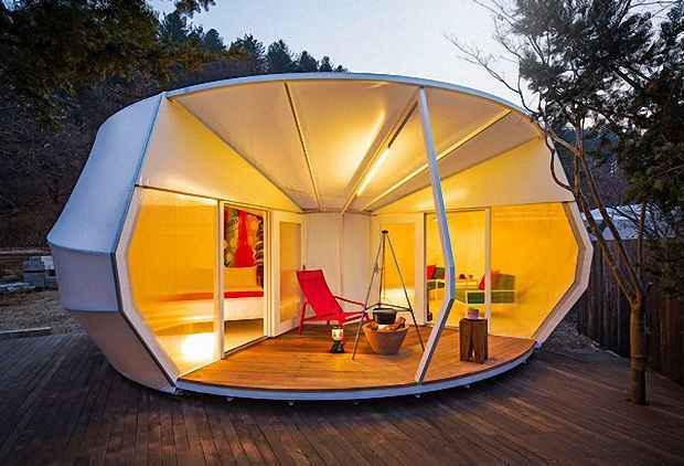 Палатки фактически являются коттеджным городком