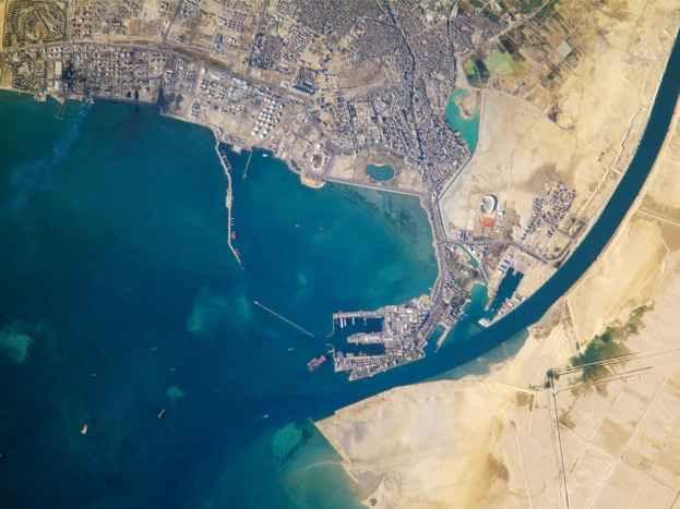 Вход в Суэцкий канал