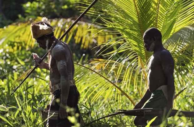 Болезнь куру поразила не всех каннибалов из племени форе