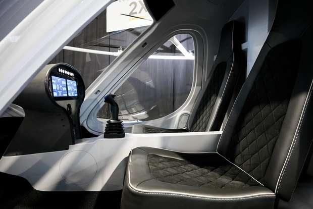 Два места для пассажиров