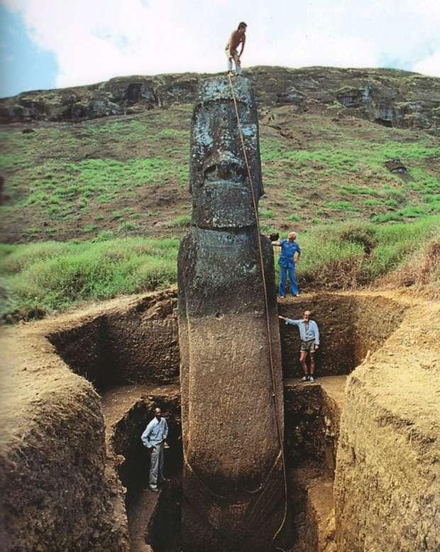 Раскопки истуканов моаи