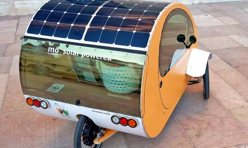 Солнечная панель на крыше автомобиля-велосипеда Mö