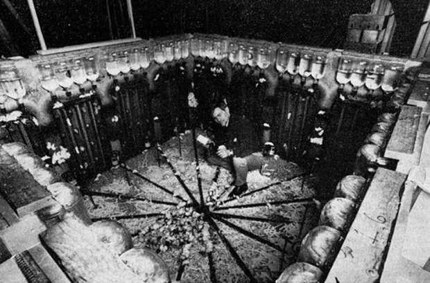 В начале эксперимента Вселенная-25