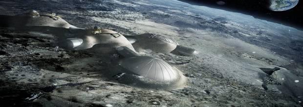 Некоторые считают, что Луна - база инопланетной разведки