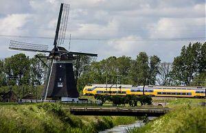 Поезда Голландии перешли на энергию ветра