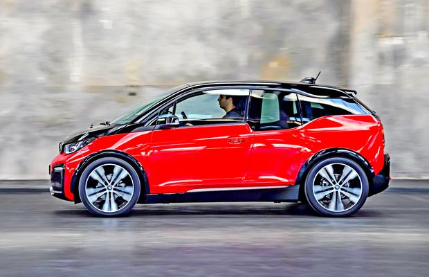 батарея LIGHT Battery в автомобиле BMW i3