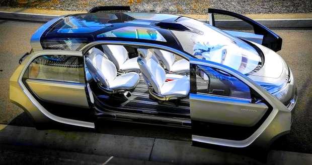 Chrysler Portal с открытыми дверями